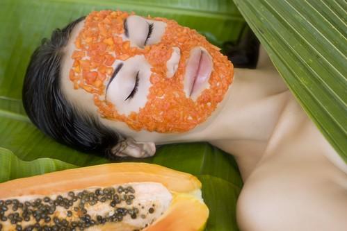 Papaya cleansing on the face - NAET Dubai